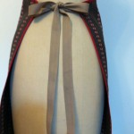 the apron ties -back view